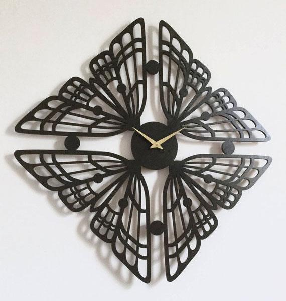 Стильные часы в виде бабочки