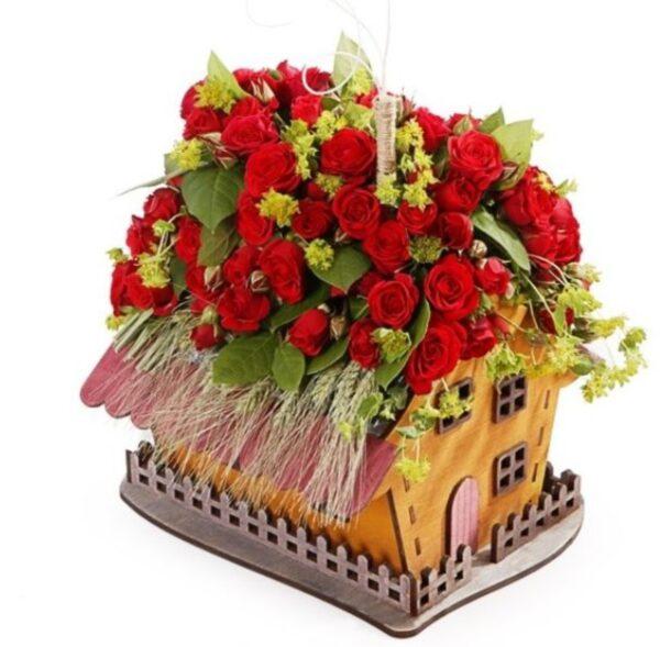 Горшок для цветов в виде дома