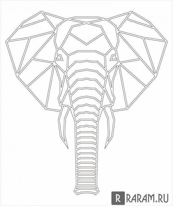 Голова слона с бивнями