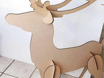 Большой рождественский олень