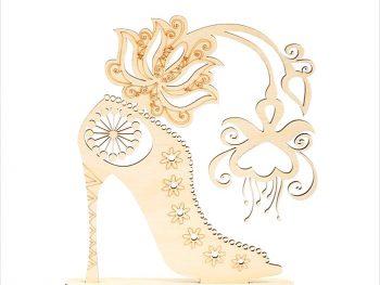Женская обувь с цветком