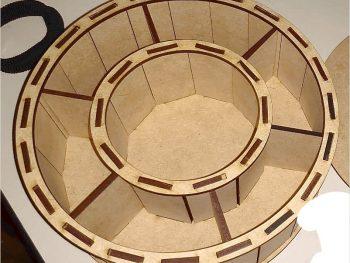 Круглая коробка с делениями