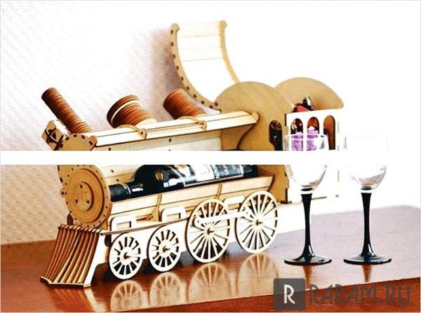 Коробка для бутылок в виде поезда