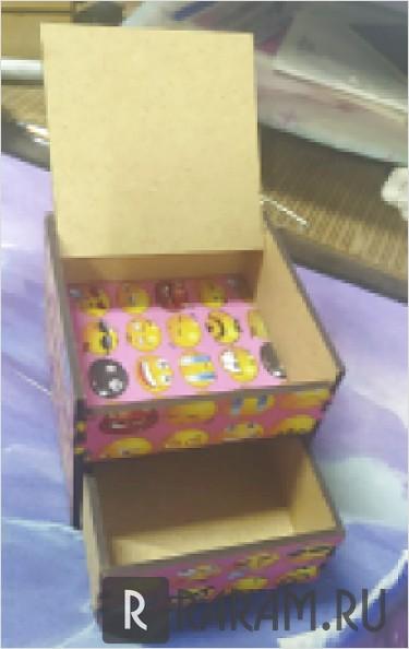 Коробка с двумя отсеками
