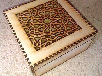 Коробка с ажурной крышкой