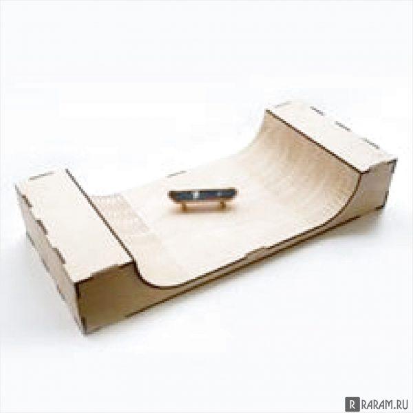 Скейтборд с рампой