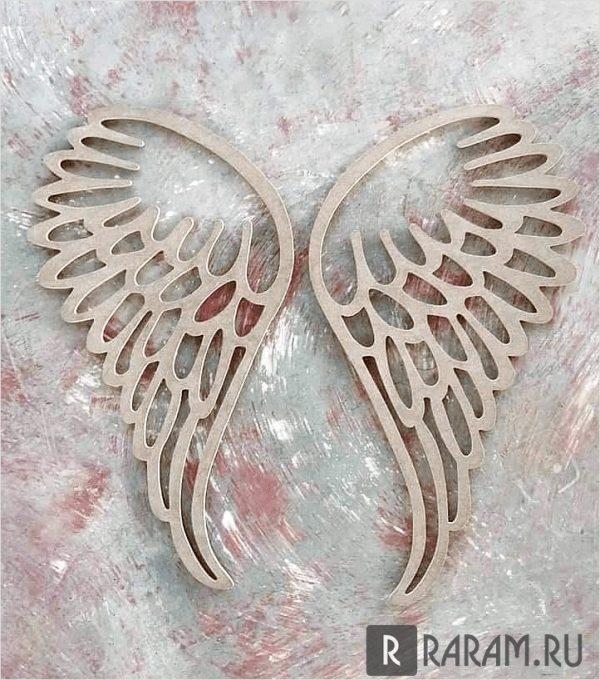Украшение стен крыльями
