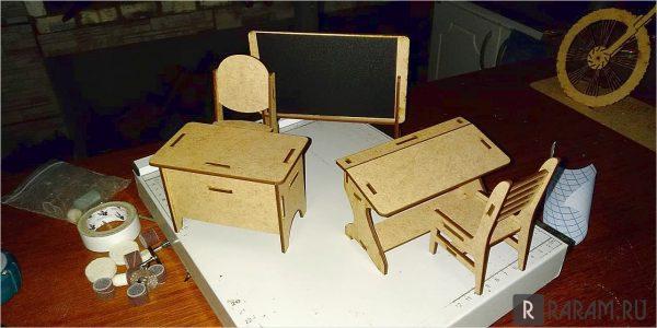 Миниатюрная школьная мебель
