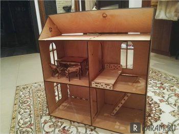 Кукольный домик с двумя спальнями