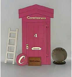 Миниатюрная дверь